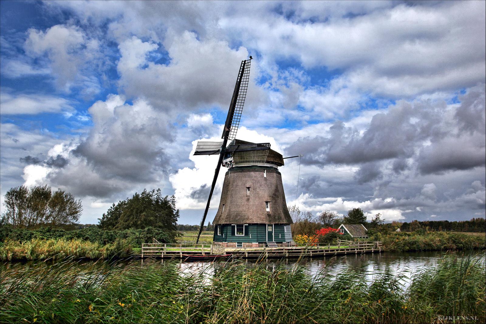 De jarige Oosterdelmolen. (Foto: Emil de Jong/kijklens.nl)