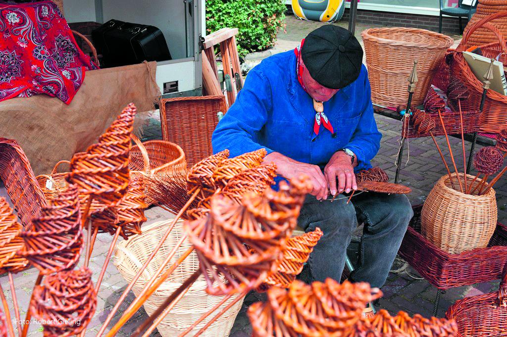Allerlei oude ambachten zijn te bewonderen tijdens de Nostalgische Zomermarkt. (Foto: aangeleverd)