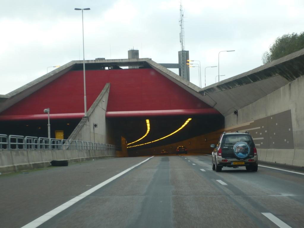 De Thomassentunnel.  © GrootNissewaard.nl