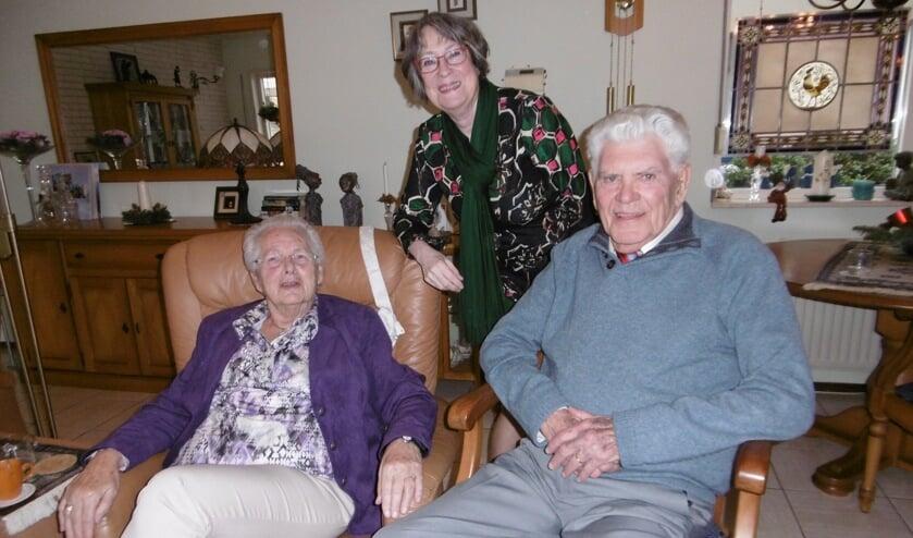 60 jaar na het jawoord kreeg het paar de burgemeester op bezoek. Foto: Anita Tempelman.