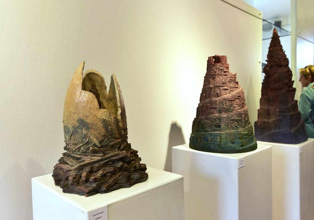 Feniksei, Babel 52 en Babel 60, alle drie kunstwerken van Frank Porcelijn.  © GrootNissewaard.nl