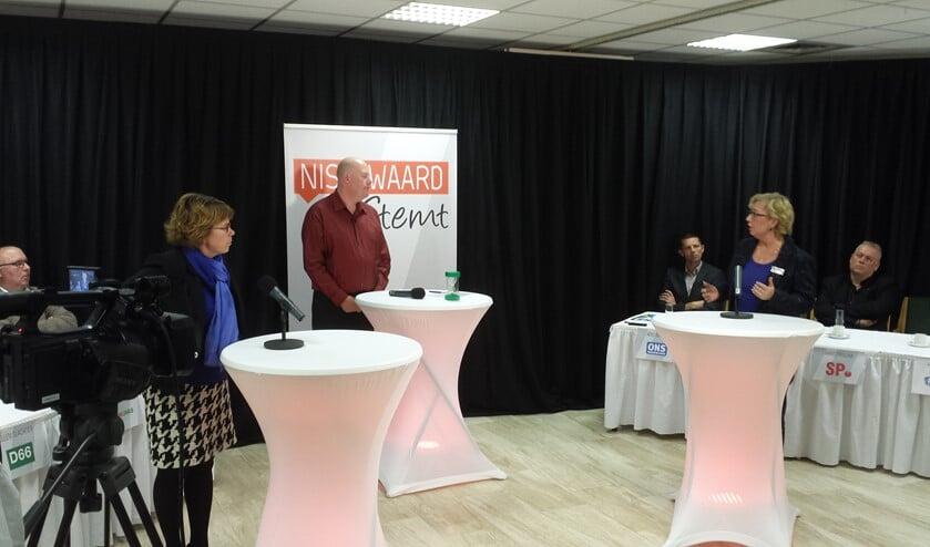 De presentatie van het debat is in handen van Alex Hordijk.