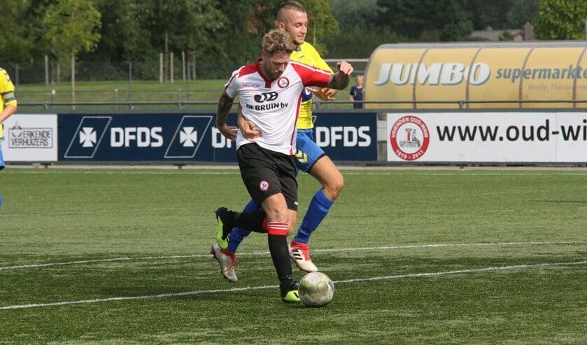 Michael van Dommelen scoorde de 2-2 voor Brielle in het bekerduel met Oostkapelle. * Foto: Wil van Balen.