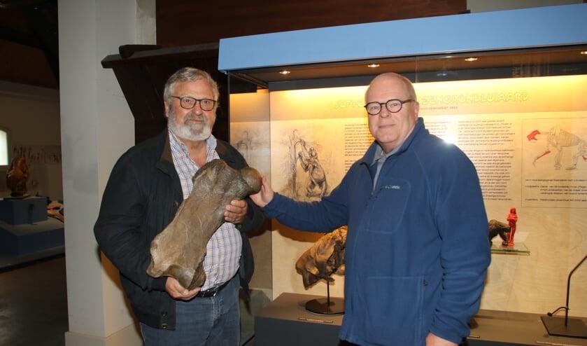 'Mister Historyland'  Arie van den Ban en 'Sir Mammoth' Dick Mol