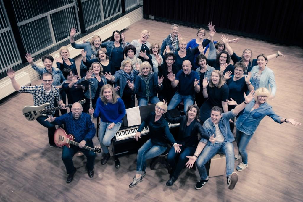 Popkoor The Blue Stocking Singers uit Nieuwe Tonge.  © GGOF.nl