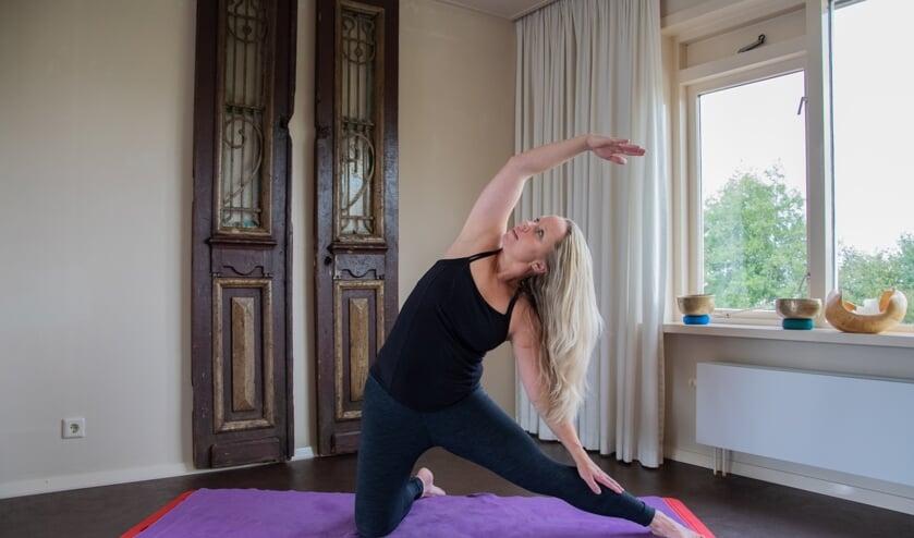 Om mensen kennis te laten maken met de Yin-Yang Yoga is er op donderdag 7 november een proefles bij TotalBody Health centre in Stad aan 't Haringvliet.  (Foto: Sam Fish)