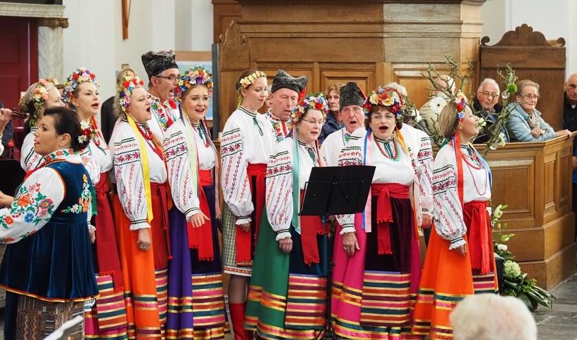 De Russische-Oekraïense Dansgroep Kalinka uit Rotterdam - Fotografie: Joost de Koning