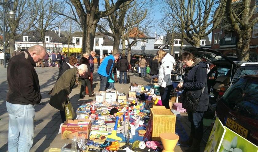 Op het Marktplein in 's-Gravenzande is er zaterdag 12 oktober weer een kofferbakverkoop.
