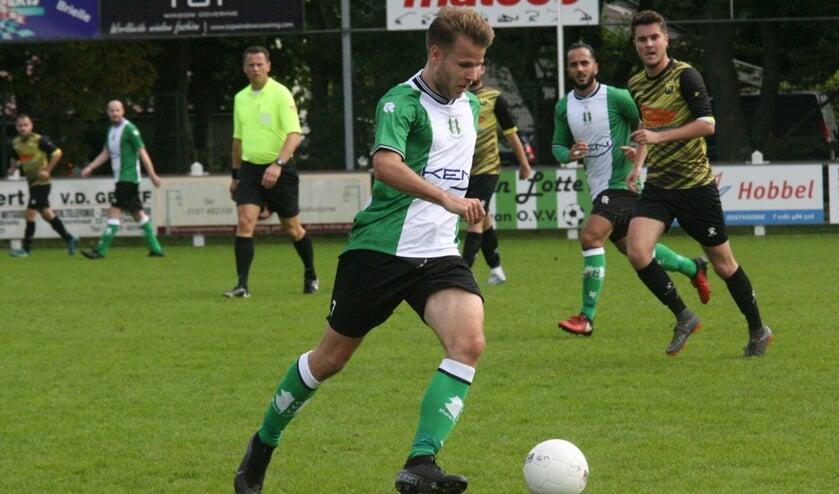 Alexander Baartmans hielp OVV met zijn treffer aan een verdiende 1-0 zege op FC Vlotbrug. (Foto: Wil van Balen).