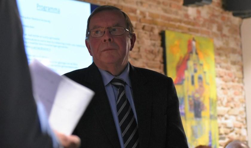 Oud-bestuursrechter Bert van 't Laar helpt mensen met moeilijke WMO-kwesties.