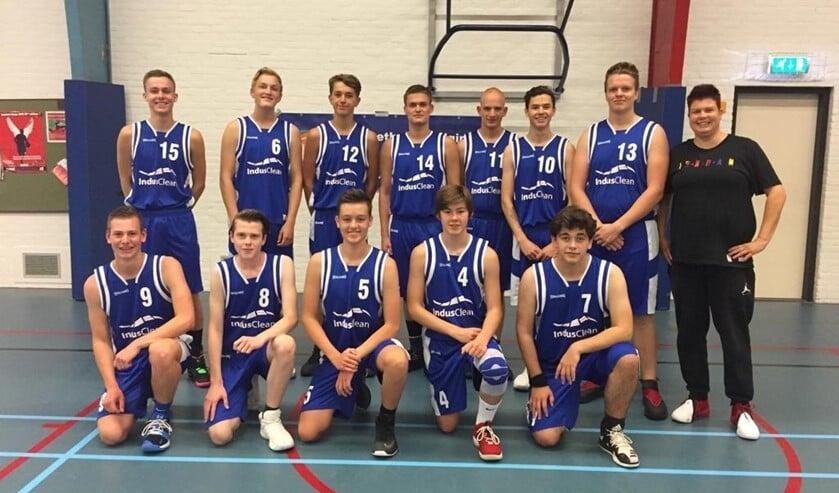 Het team van BV Voorne M18
