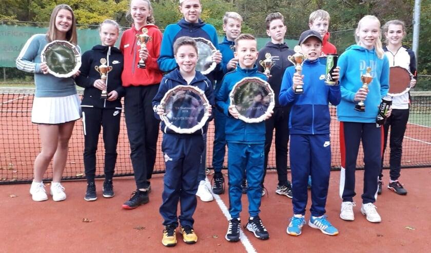 Vorig weekeinde was tennisclub TVO in Oostvoorne gastheer voor de jaarlijkse eilandkampioenschappen voor de jeugd.