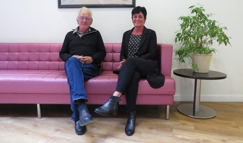 Arie Waijenberg (l) en Ruud Venner (r) zijn twee van de vrijwilligers van het project Signalerend Huisbezoek