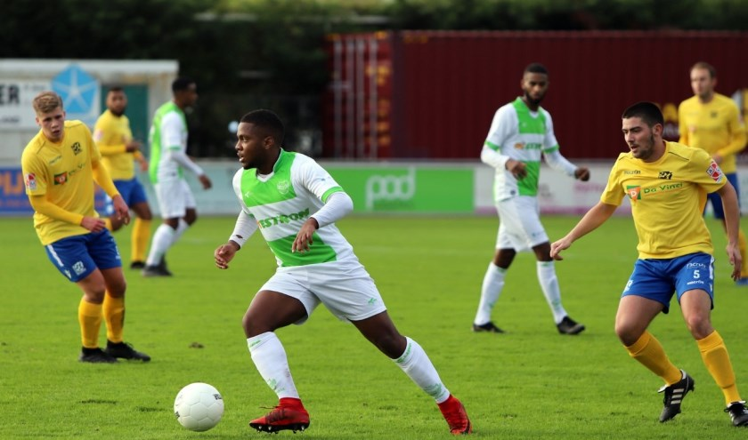 Spijkenisse zakte zaterdag naar de voorlaatste plaats in de hoofdklasse na de nederlaag tegen Zwaluwen.