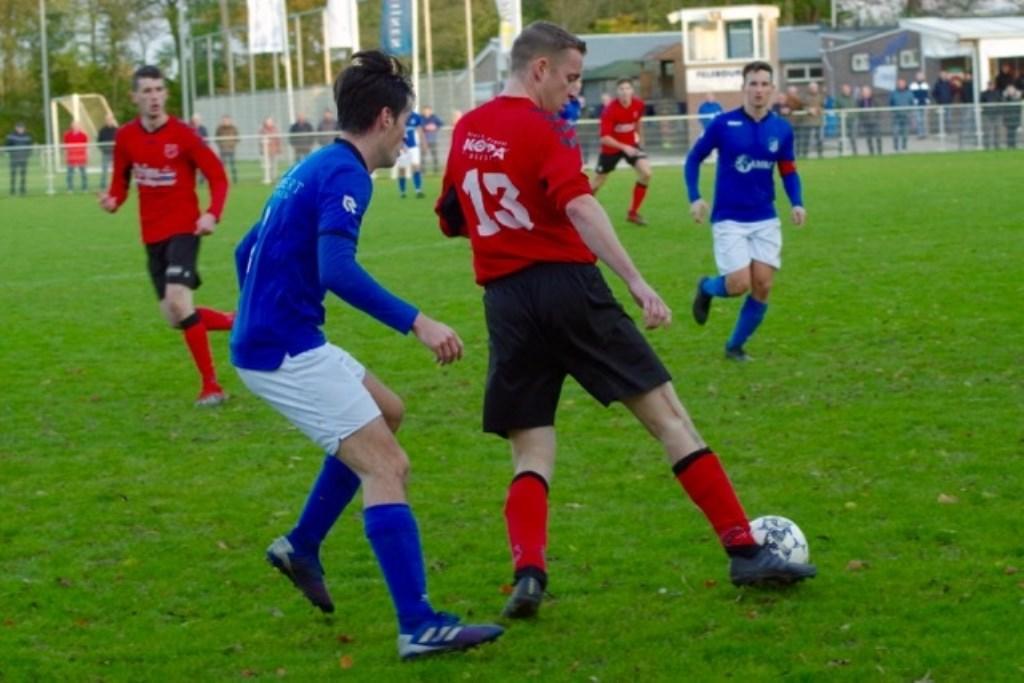 Jari Christiaanse (13) met links Yannick Lugthart en rechts Tim Mackloet.  © GGOF.nl