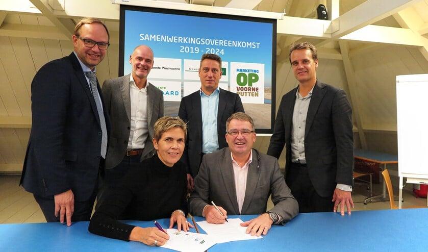 De ondertekening van de nieuwe overeenkomst