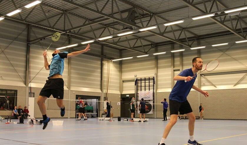 Michiel Kruijt en Ruud Nagel in actie tijdens hun dubbel.