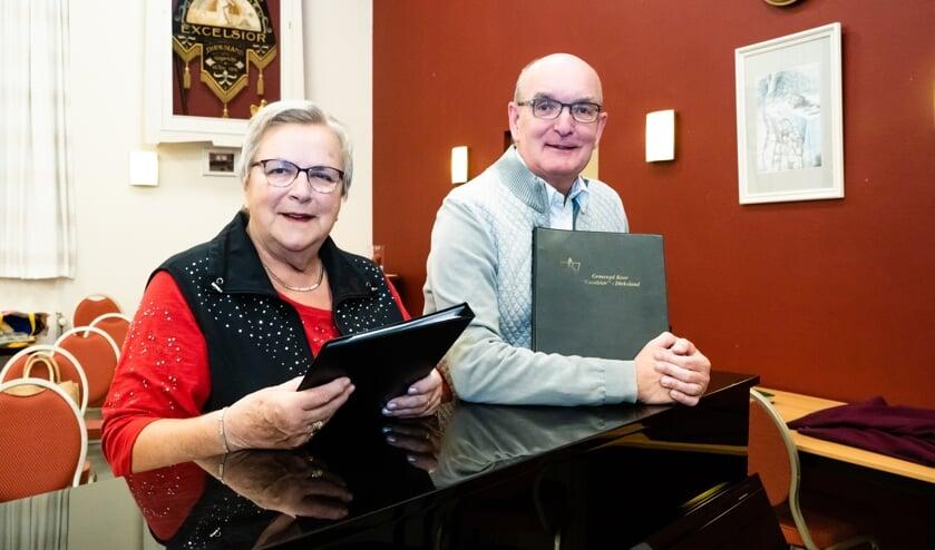 Anneke Sarelse en Wim Polder, 25 jaar lid van Excelsior (foto: Jacquelien Wielaard)