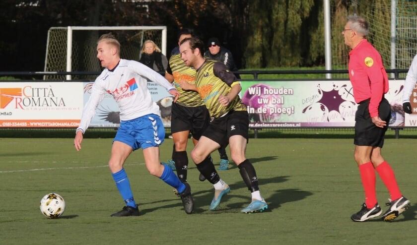 SC Botlek kwam zaterdag bij FC Vlotbrug twee keer terug van een achterstand, het werd 2-2.