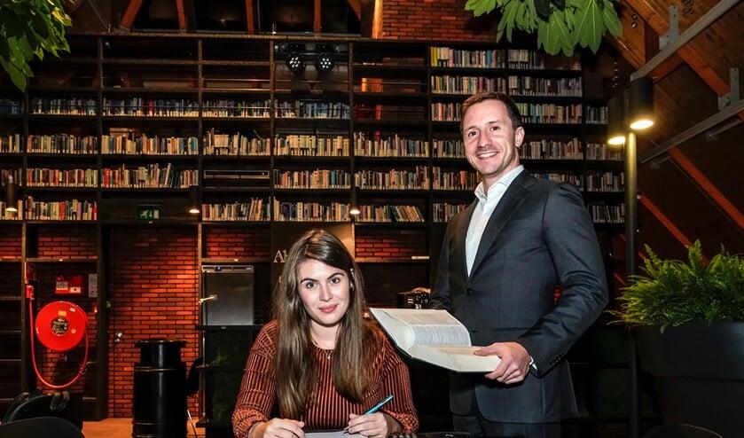 Laura en Niels zijn vrijwilliger bij de rechtswinkel.