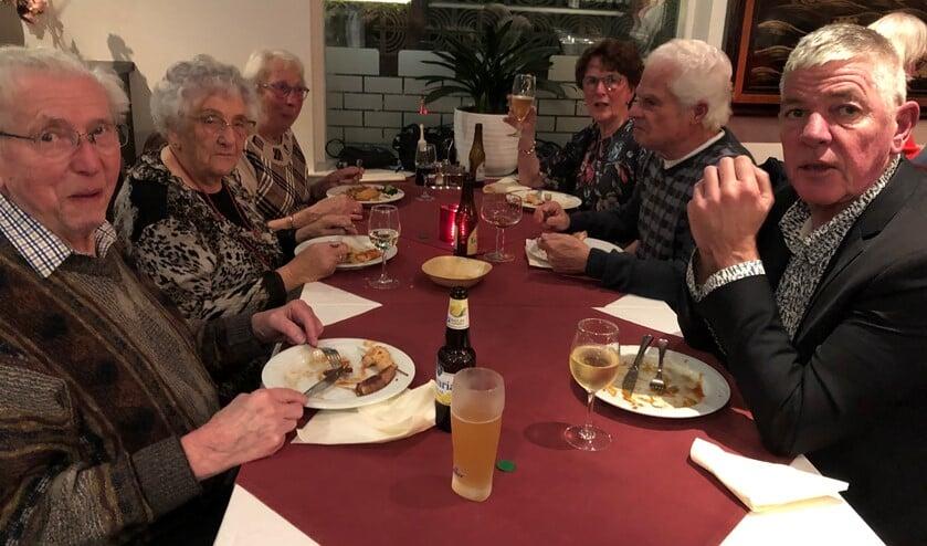 De gasten lieten zich het eten goed smaken!