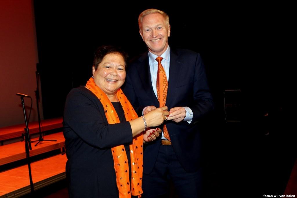 Veronique Stern en Hans van der Velde.   © GrootHellevoet.nl