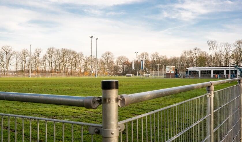 Bij VV DBGC in Oude-Tonge kan nu eindelijk begonnen worden met de broodnodige renovatie. Foto: Jacquelien Wielaard