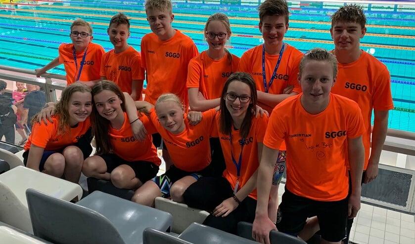 De deelnemers van het Zwemteam Goeree- Overflakkee aan de Swimcup