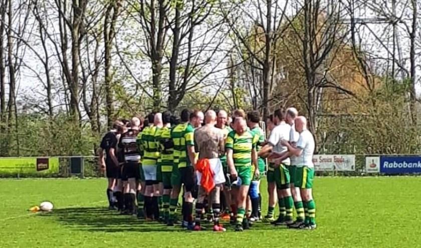 De rugbyers van Flakkee houden nog steeds zicht op een eventueel kampioenschap.