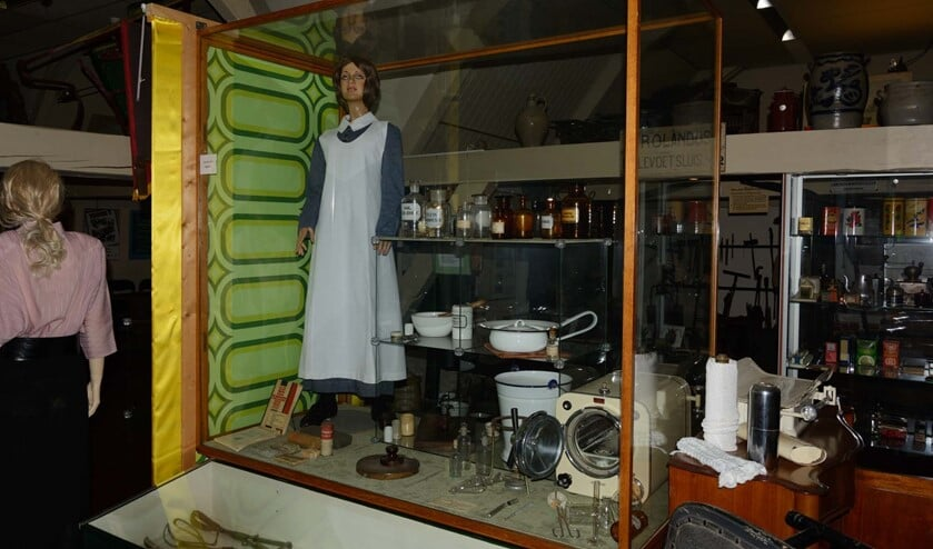 De medische vitrine in het Stadsmuseum