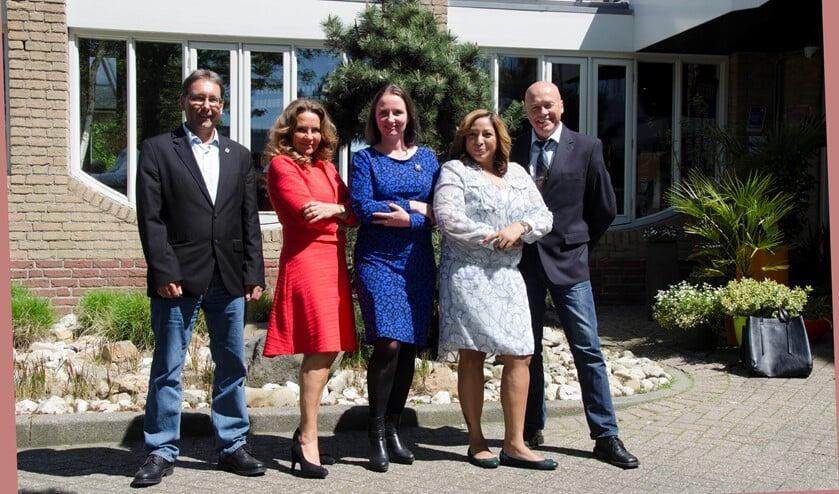 De bijna volledige fractie tijdens het bezoek van Fleur Agema