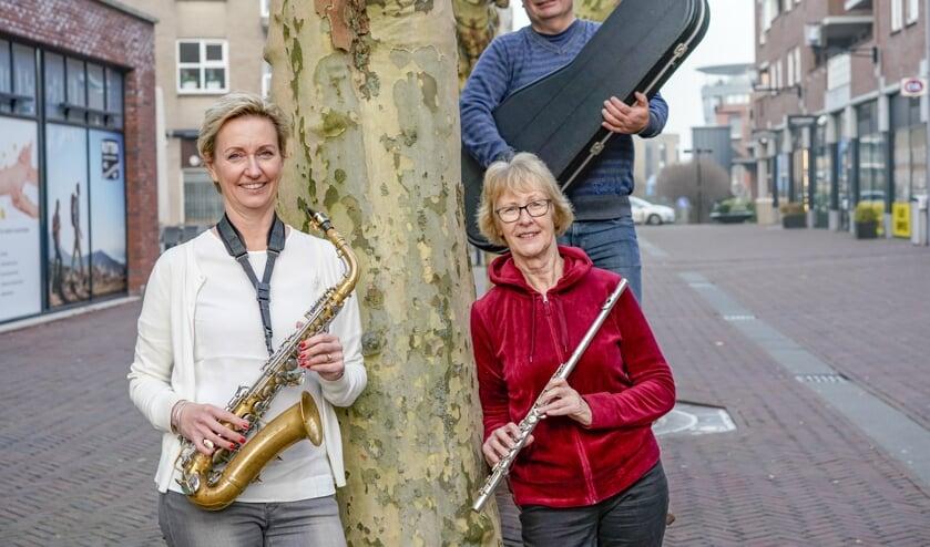 De musicalgroep wordt begeleid door een live orkest. Foto: Foto-OK.nl