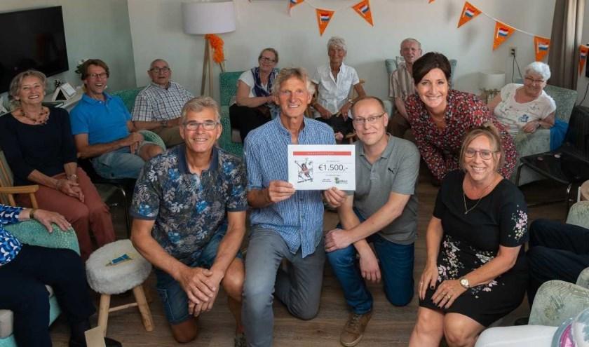 De medewerkers van Strandgoed zijn enorm blij met geweldige donatie.