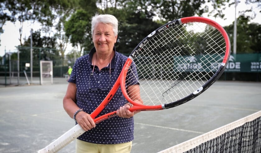 Sonja de Groot, de tennismoeder van Voorne-Putten, hoopt op voldoende deelname in Zuidland.