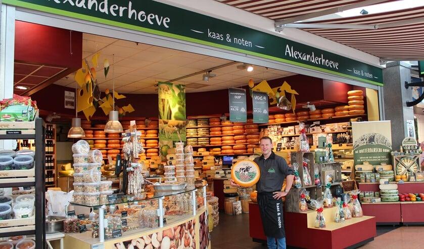 Met 100 soorten kaas is er altijd wel een kaas naar uw smaak bij de Alexanderhoeve