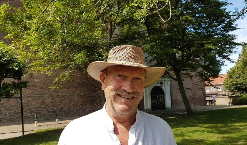 Kunstenaar Bram Lems is verantwoordelijk voor de kunstmarkt tijdens Bruisend Brielle
