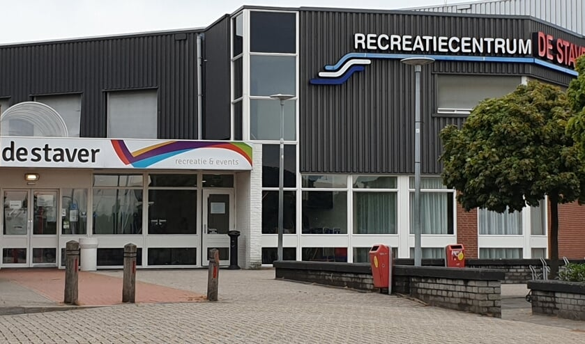 Recreatiecentrum De Staver waarvan het zwembad een onderdeel is.