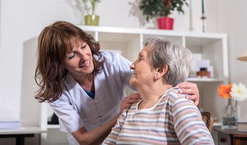 De ketenverpleegkundige is de schakel tussen ziekenhuis-, thuis- en ouderenzorg. Zo kan CuraMarede zorg nog beter afstemmen op de individuele patiënt en cliënt.