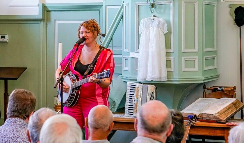 Kiki Schippers opende het festival in Simonshaven.