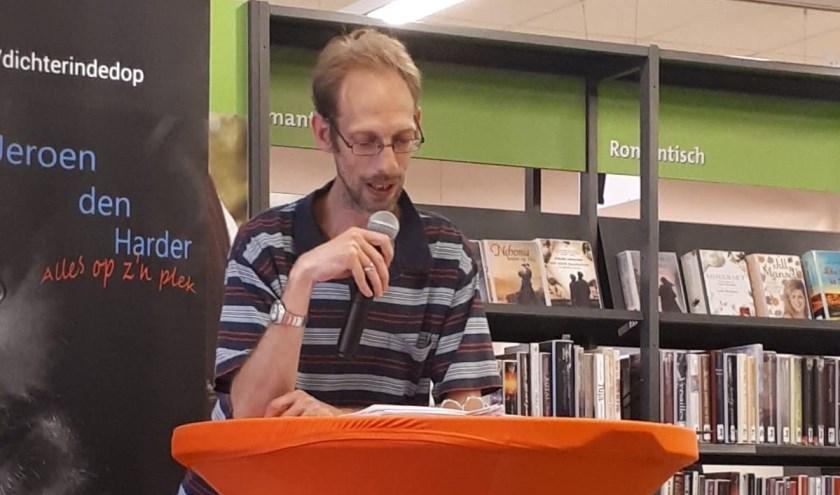 In samenwerking met Bibliotheek Westland organiseert dichter Jeroen den Harder een poëzieavond.