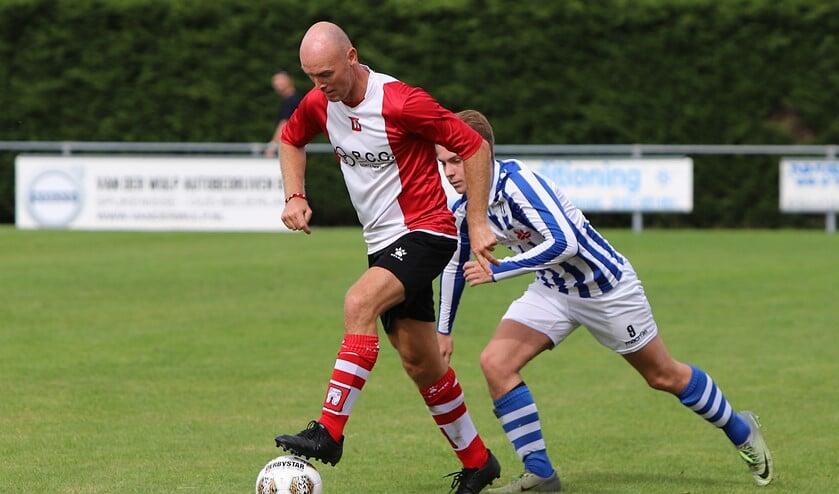 Abbenbroek was zaterdag matchwinnaar, 2-1, in het duel met streekgenoot Zwartewaal. Fotografie: Peter de Jong