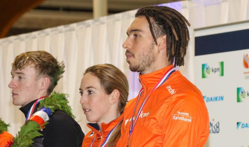 Lara van Ruijven (m) behaalde afgelopen weekend brons tijdens het NK Shorttrack.