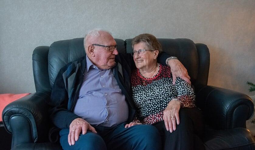 Floor en Riet Pronk zijn na 60 jaar huwelijk nog steeds gelukkig samen.  Foto: Sam Fish