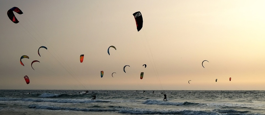 Het kitesurfen op de Maasvlakte wordt bedreigd door de plannen  © GrootNissewaard.nl