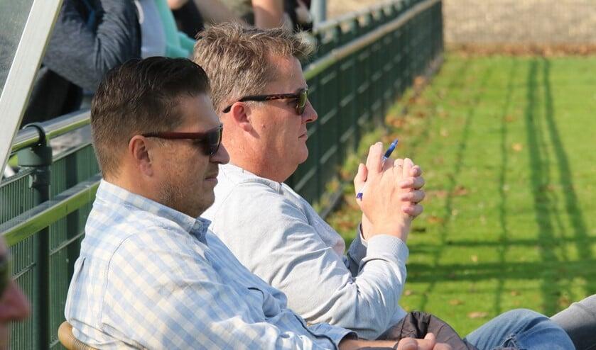 Teamleider Richard Venneker (l) en trainer Harry Rusken zijn met Rockanje de laatste concurrent van OHVV (Archieffoto: Wil van Balen)