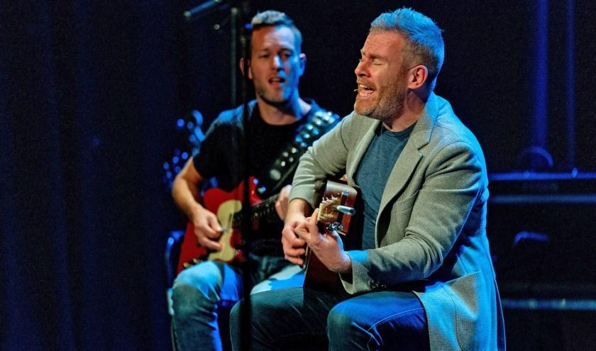 Zanger/gitarist Ed Struijlaart.