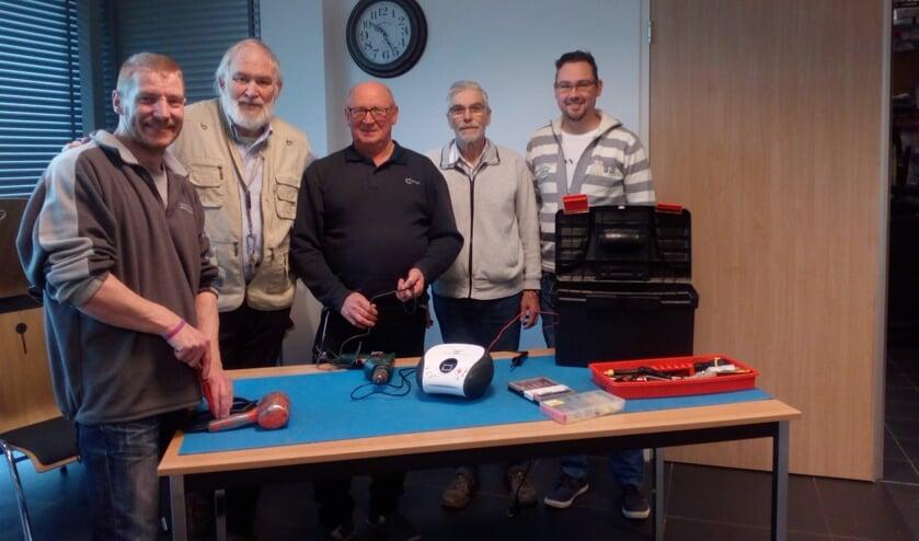 V.l.n.r. J. Hoek, A. Meliësta, J. de Waal, D. Koppenaal en B. Luiten.