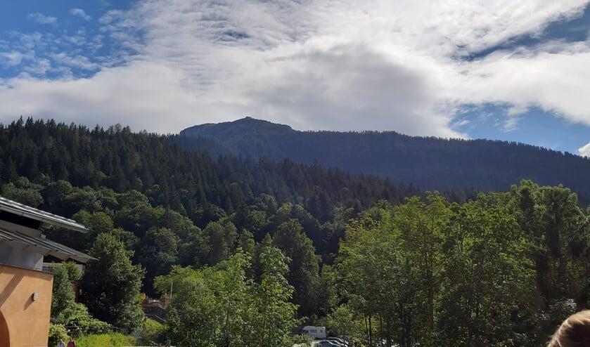 Obersalzberg, vlak bij Berchtesgaden, was niet alleen de plek waar Hitler zijn vakantiewoning had, maar vormde ook het tweede regeringscentrum waar veel besluiten werden genomen.