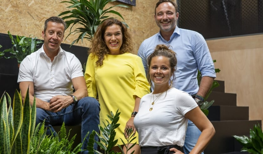 Vlnr: Imre van Leeuwen, Patricia Verbakel, Pien Breukink (verantwoordelijk voor de commerciële activiteiten van Arling) en Micha van Herk. Foto: (PR)