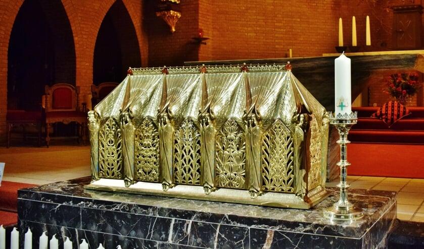 De schrijn met de relikwieen van de martelaren van Gorcum